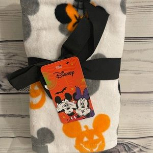 New Disney Halloween Hand Towels